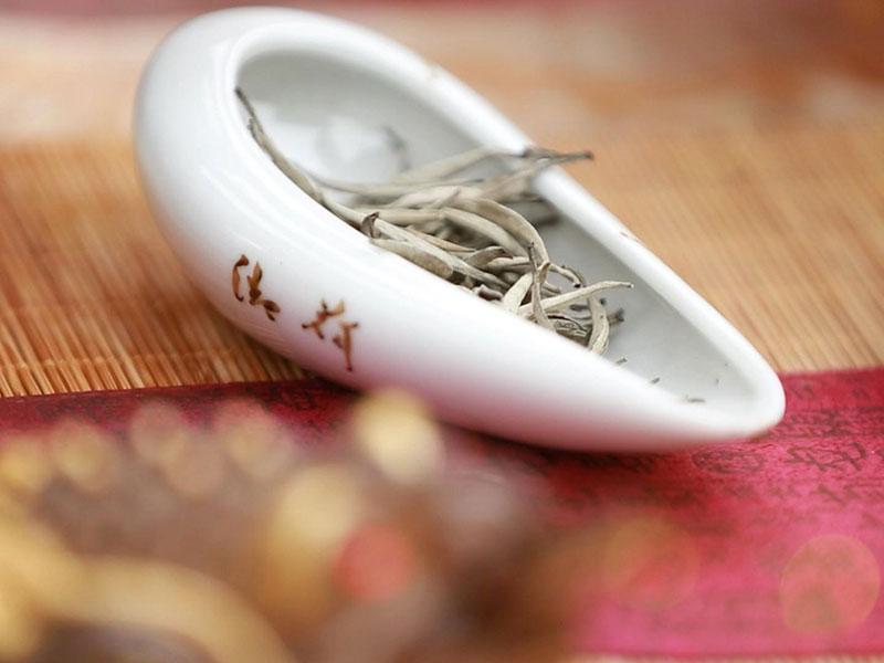 Gọi tên các loại trà phổ biến và những công dụng cụ thể