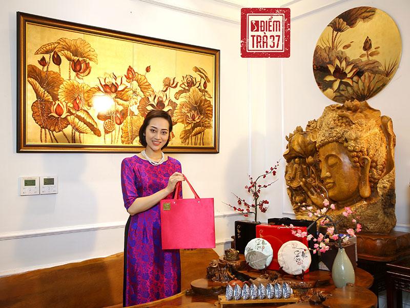 Cổ Mộc Trà - Trà Mạn Hảo tại Điểm trà 37 Hùng Vương