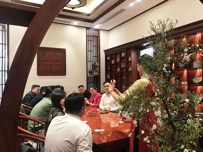 Tiệc trà truyền thống – Giao lưu văn hóa mang đậm giá trị trà Việt