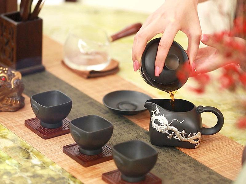 Tiệc trà mang đậm giá trị truyền thống