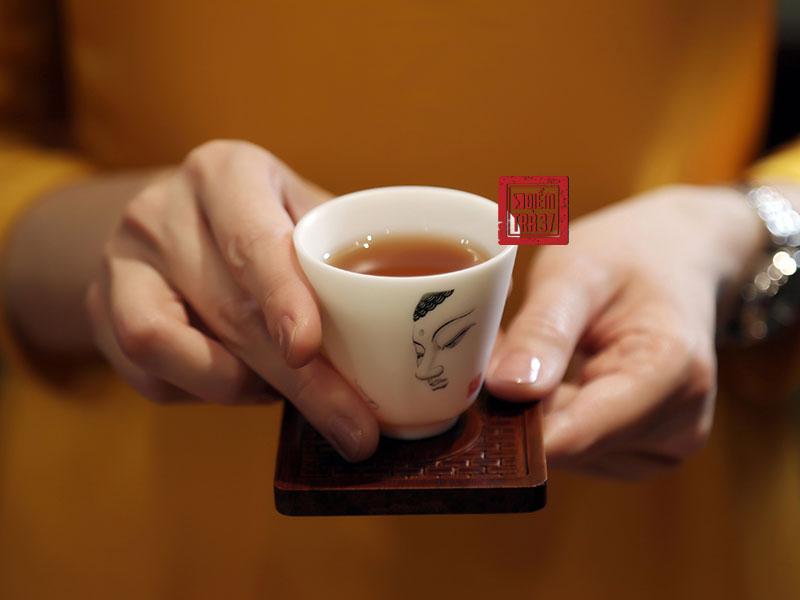 Nghệ thuật thưởng trà tinh tế trong văn hóa trà của người Việt