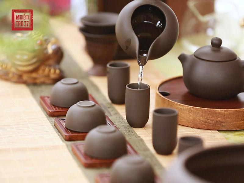 Nghệ thuật thưởng trà cần sự tỉ mỉ và tinh tế