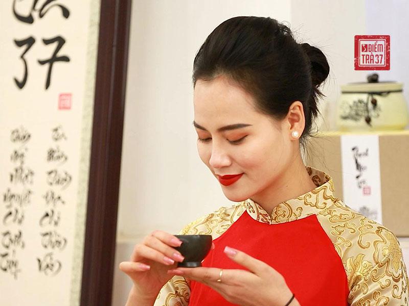 Người Việt thưởng trà chú trọng đến hương và vị