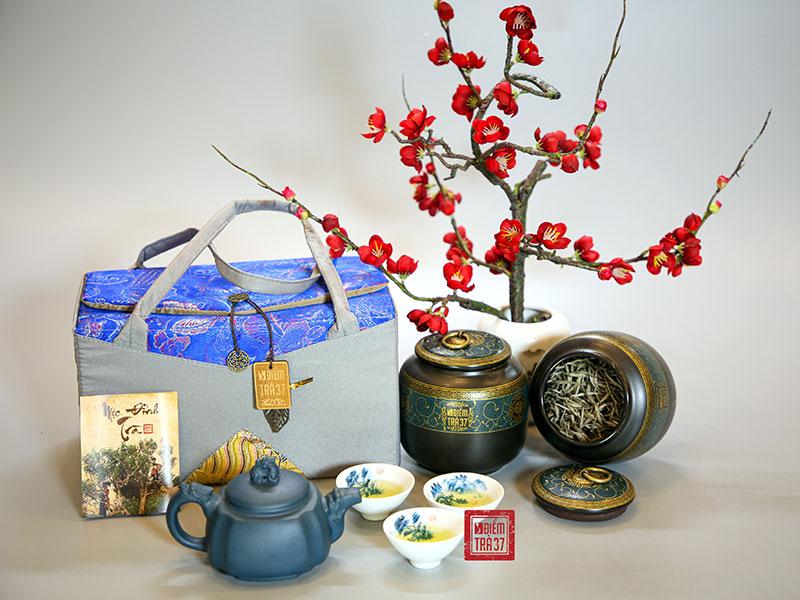 Tặng trà cho khách hàng dịp Tết Trung thu