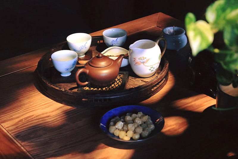 Nghệ thuật ăn bánh trung thu uống trà của người Việt
